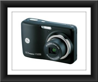 "General Electric GE C1233 12MP Digital Camera with 3X 2.4"" LCD"